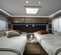 1200x798-ADRIA-FTP_PHOTOS_S18_MOTORHOME_MATRIX_MATRIX+AXESS_GALLERY_4_1612_MATRIX_AXESS_M_670_SL_separate_bed_JM40536.jpg