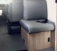 004-s-detail-sofa-5th-seat.jpg
