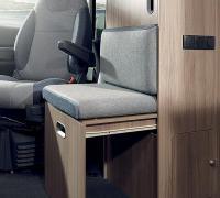 039-s-s65sl-detail-seat-in-wardrobe-mag.jpg