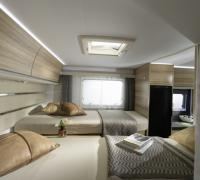 1200x798-ADRIA-FTP_PHOTOS_S18_MOTORHOME_SONIC_SONIC+AXESS_GALLERY_3_2209_SONIC_600_SL_AXESS_separate_beds_4BC5642_be-nl.jpg
